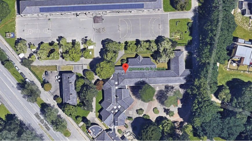 Vue aérienne du site occupé par les personnes sans papiers