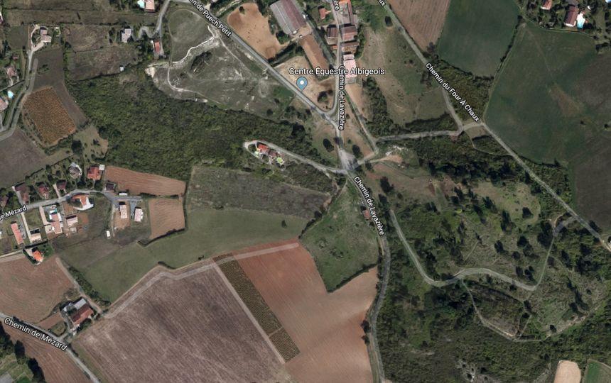 L'avion s'est écrasé dans une zone boisée proche du centre équestre de l'Albigeois
