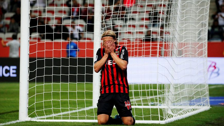 Kasper Dolberg pendant le match de l'OGC Nice contre Dijon