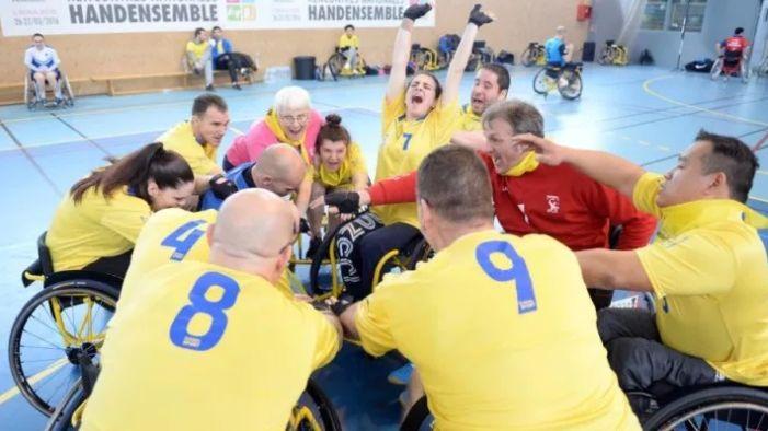 Les handballeurs de l'US Joué-lès-Tours Hand Fauteuil ont pu racheter trois fauteuils grâce à la plateforme Leetchi