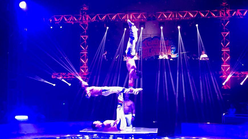 Les acrobates du festival viennent d'Australie spécialement pour l'occasion