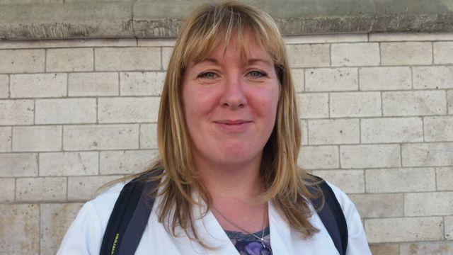 Lucie, 37 ans, infirmière dans un hopital psychiatrique à Clermont dans l'Oise depuis 15 ans.