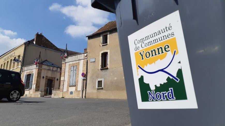La nouvelle taxe d'enlèvement des ordures ménagères se traduit pour certains foyers par un doublement du tarif, dans la communauté de communes Yonne Nord