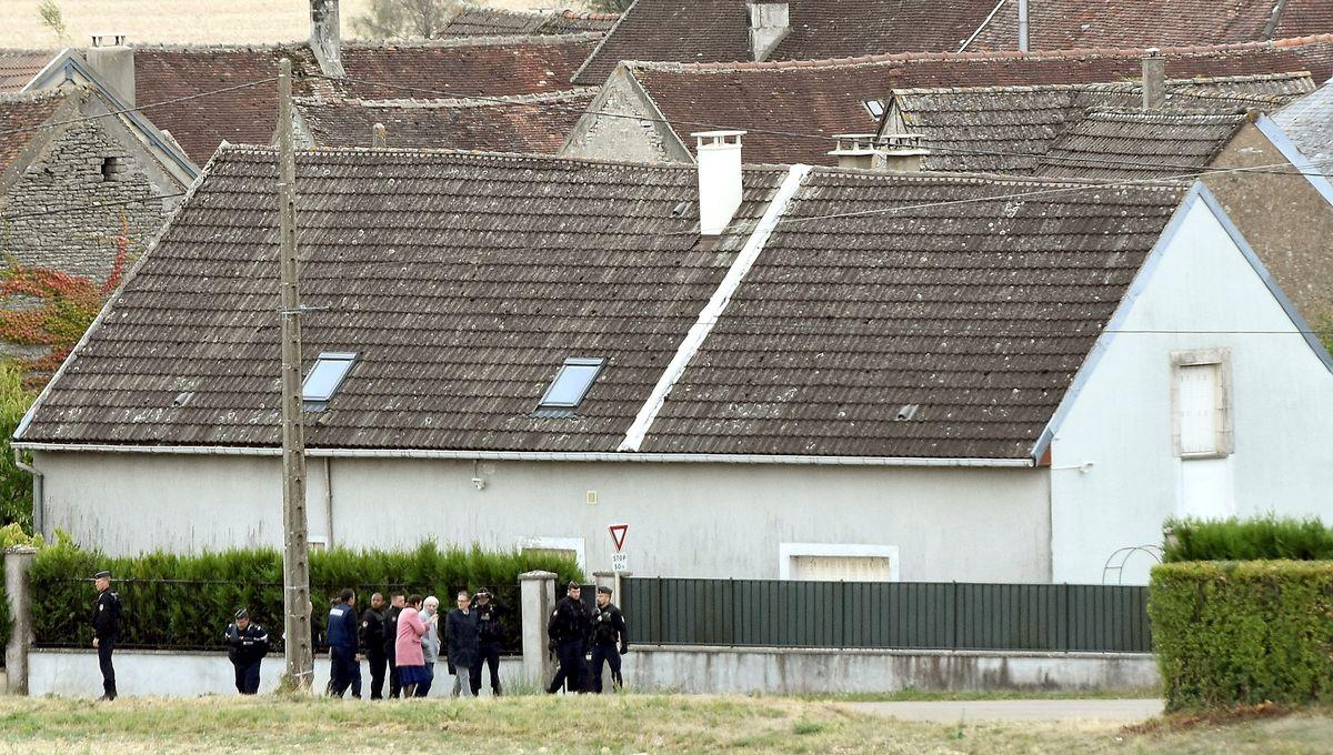 Reconstitutions dans l'Yonne : Michel Fourniret conduit à son ancien domicile