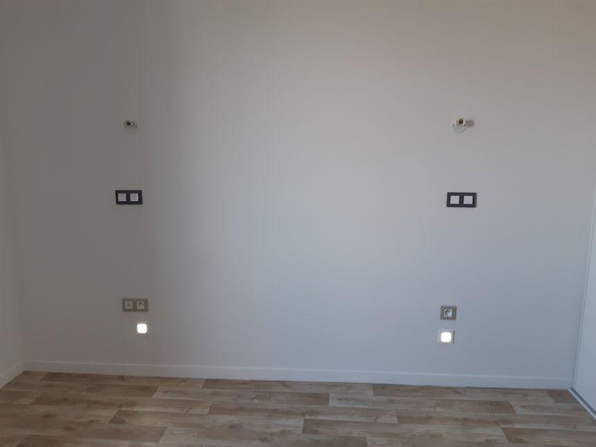 La chambre de l'un des logements spécialement adaptés aux seniors