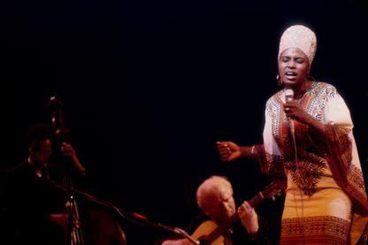 En 1967, l'album 'Pata Pata' de Miriam Makeba et sa chanson titre propulsent la chanteuse sud-africaine sur le devant de la scène mondiale