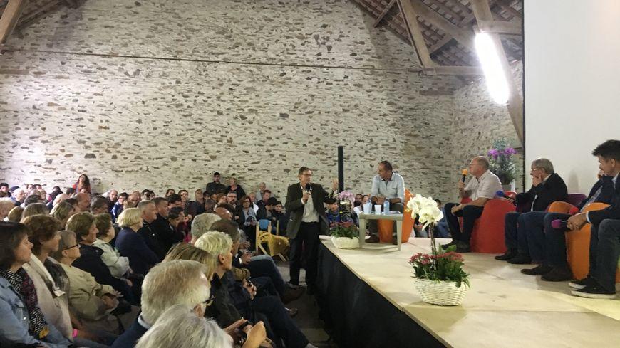 La rencontre entre les habitants de Coussac-Bonneval et le promotteur du projet Melofolia était très attendue