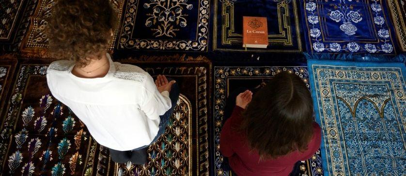 Eva Janadin et Anne-Sophie Monsinay ont dirigé une prière, samedi 7 septembre 2019, à Paris.