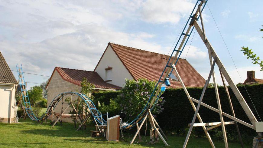 27 mètres de long sur 7 mètres de haut... et un fauteuil de bureau comme nacelle