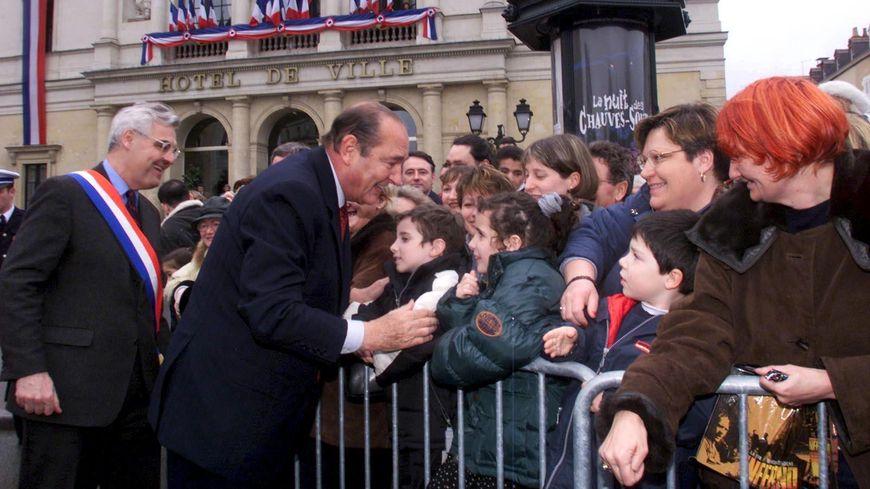 Jacques Chirac était venu à Laval en février 2000.