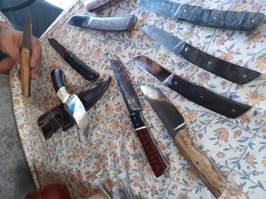 """Les couteaux """"Trièvois""""."""