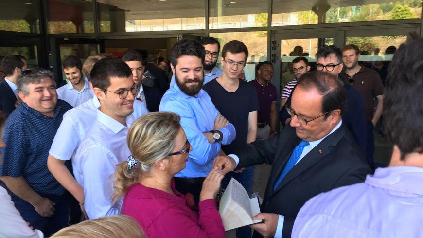 François Hollande était présent ce dimanche à la fête de la Rose organisée par la Fédération corrézienne du Parti Socialiste.