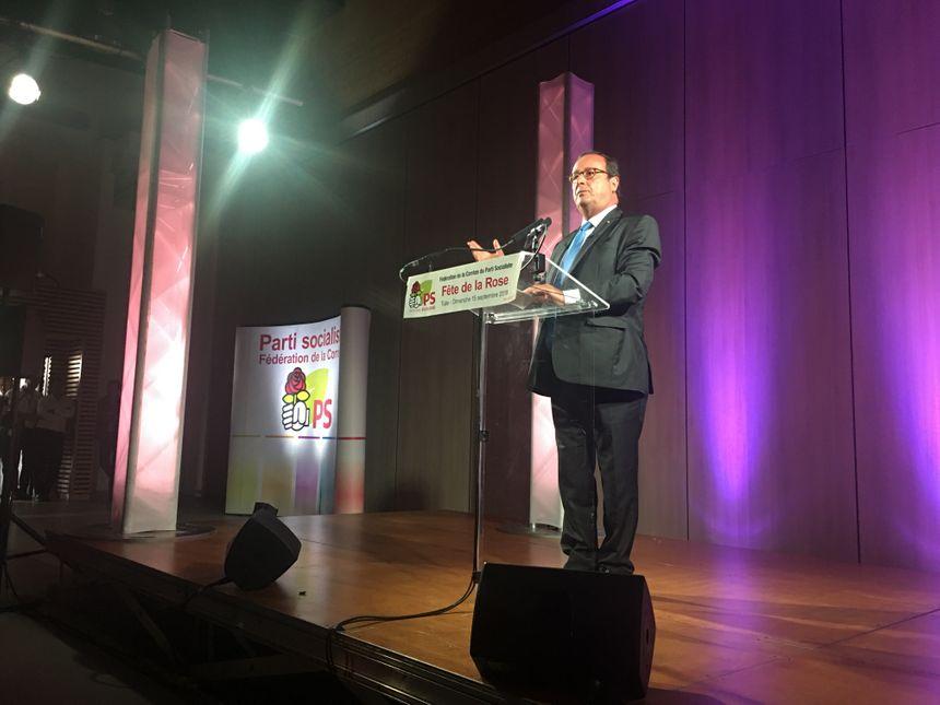 Comme à son habitude, François Hollande a multiplié les traits d'humour devant un public qui l'a accueilli en rock star.