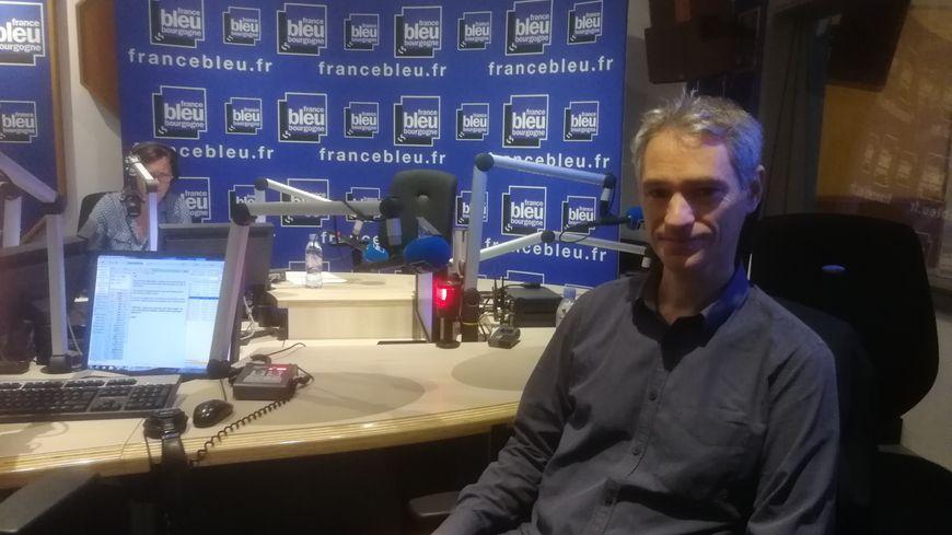 Cyril Chapeleau, conseiller Info Energie à l'espace Info Energie de Bourgogne.