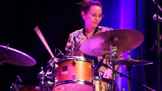La batteuse et compositrice Anne Paceo a été désignée Artiste de l'année lors des Victoires du jazz 2019