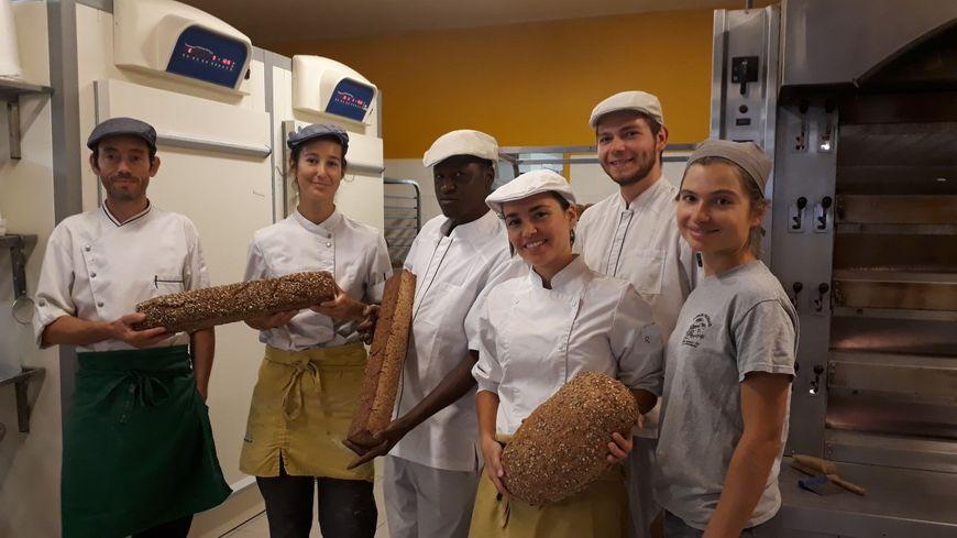 L'équipe du pain des Cairns rue Abbé Grégoire à Grenoble