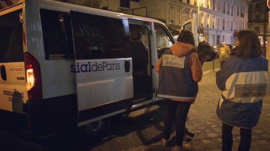 Il n'y a plus aucune place d'hébergement d'urgence pour les familles qui dorment dans la rue à Paris