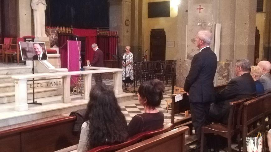 Hubert Falco, maire de Toulon et ancien ministre de Jacques Chirac, a pris place au premier rang lors de la messe