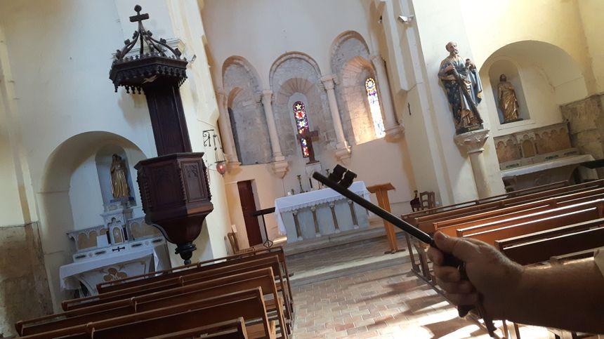 Saint André de Roquepertuis - dans l'Eglise
