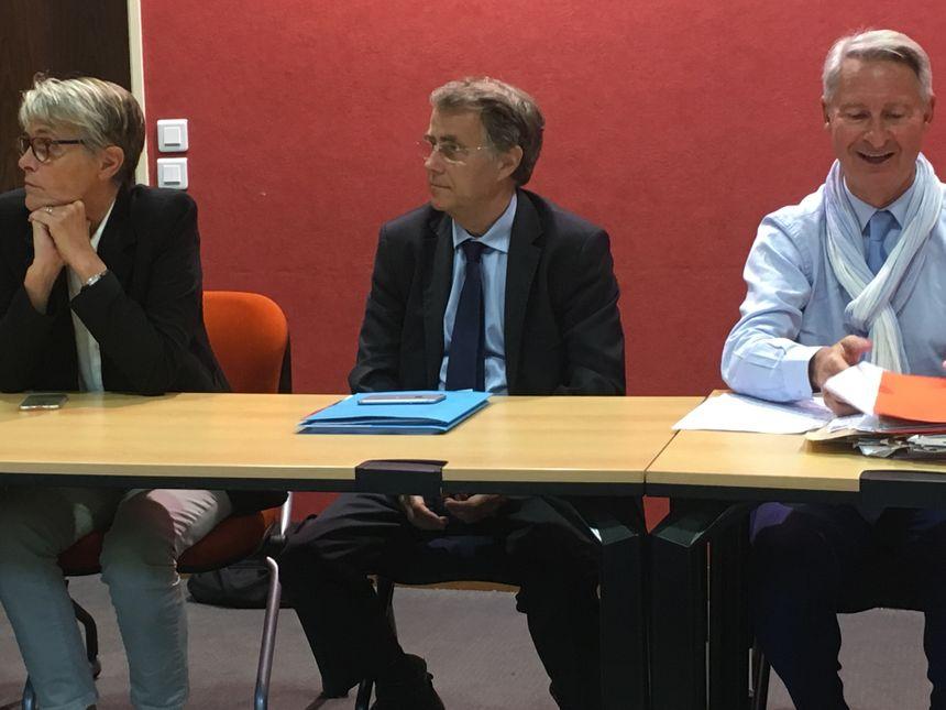"""Conférence de presse du groupe """"les Orléanais"""" (on reconnaît Nathalie Kerrien, Serge Grouard et Florent Montillot)"""