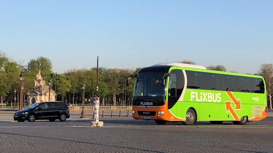 Un autocar Flixbus, à Paris en 2019.