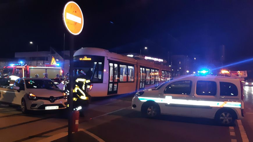 Accident fictif pour le tram d'Avignon.