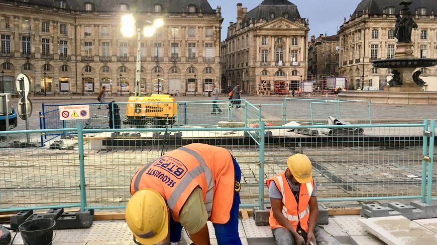 """Derniers travaux depuis la station """"place de la Bourse"""""""