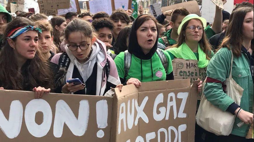 2000 jeunes avaient marché pour le climat le 15 mars à Bordeaux