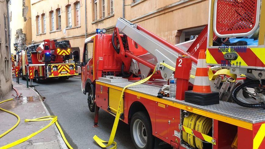 Le feu a pris au rez-de-chaussée de l'immeuble