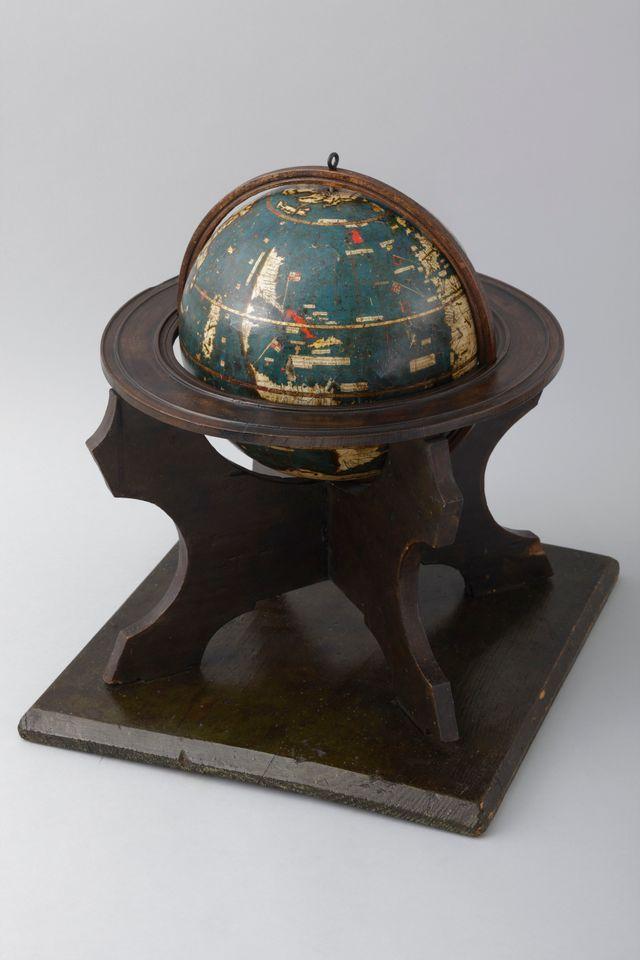 "Globe terrestre dit ""globe vert""] [Document cartographique manuscrit] / [Martin Waldseemüller], [ca 1506-1507]"