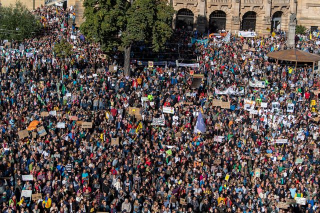 Plus de 20 000 personnes réunies à Fribourg.