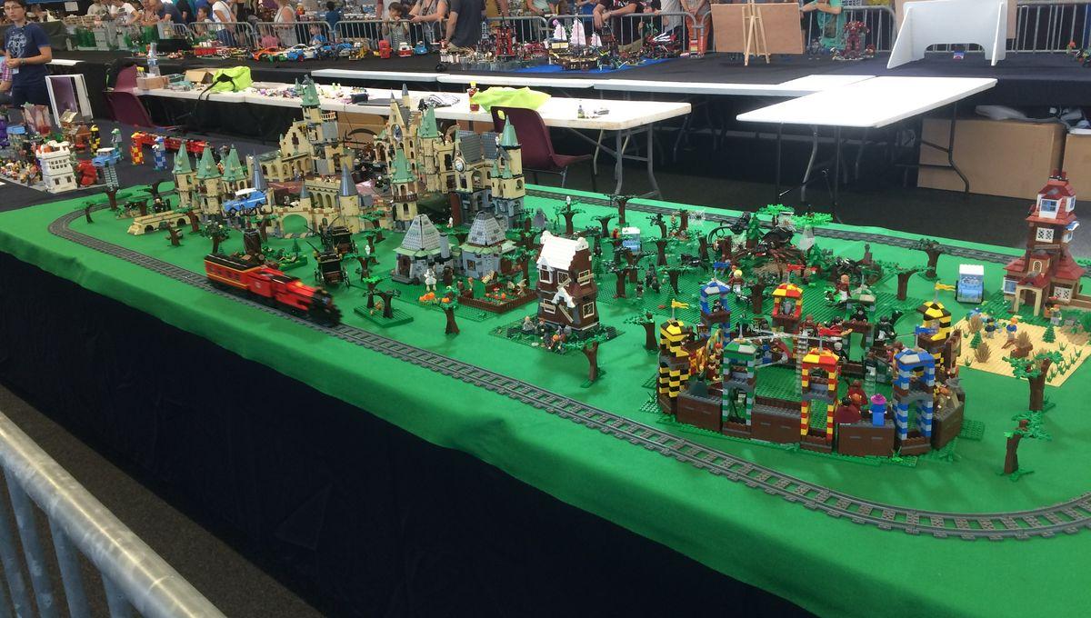 PHOTOS - L'univers des Lego® envahit Bains-sur-Oust (Ille-et-Vilaine)