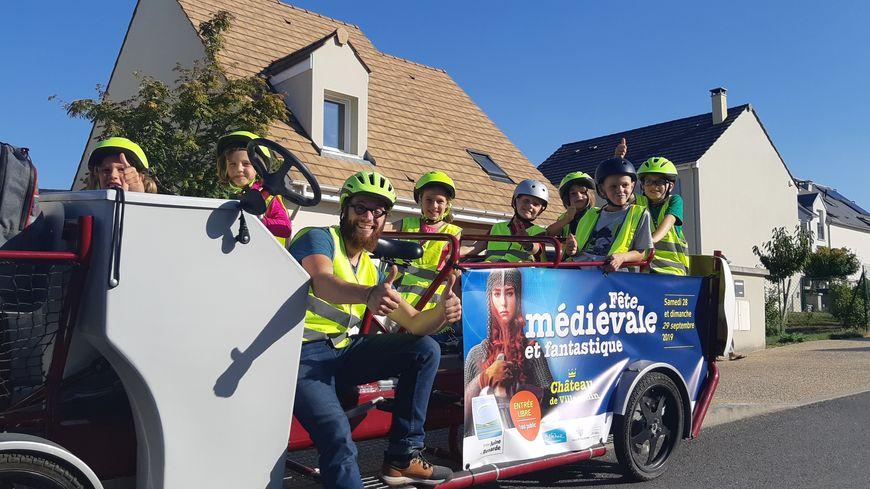 Le S'Cool Bus à Boissy-sous-Saint-Yon