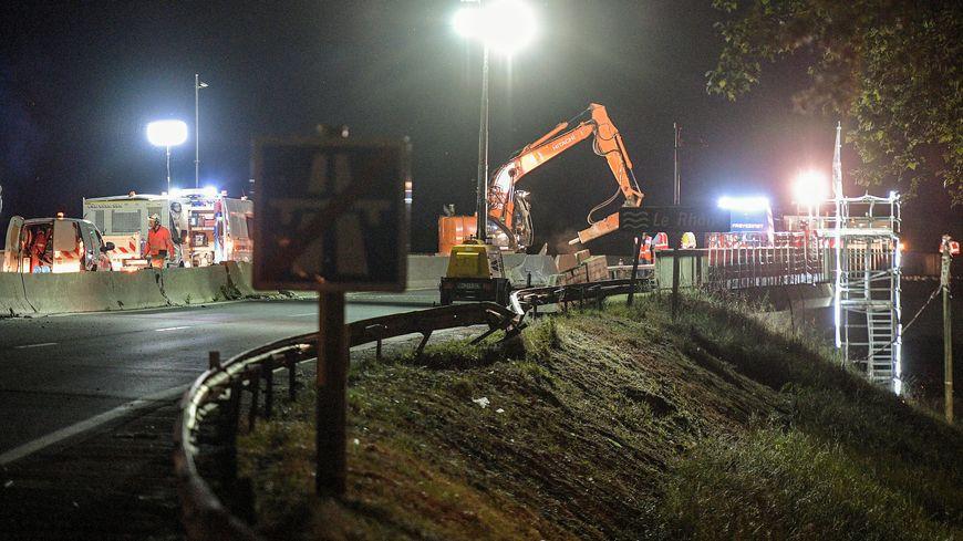 Les travaux ont nécessité plusieurs coupures totales de la circulation sur le pont de Givors.