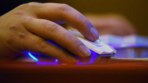 Micro-travail : les crowdworkers sont les tâcherons du numérique