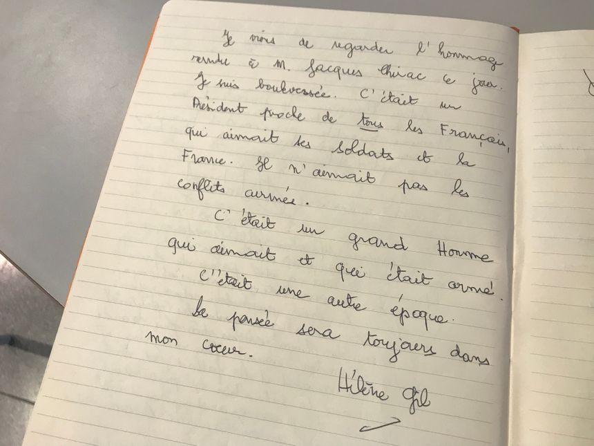 Certains habitants ont noirci une page entière pour rendre hommage à Jacques Chirac