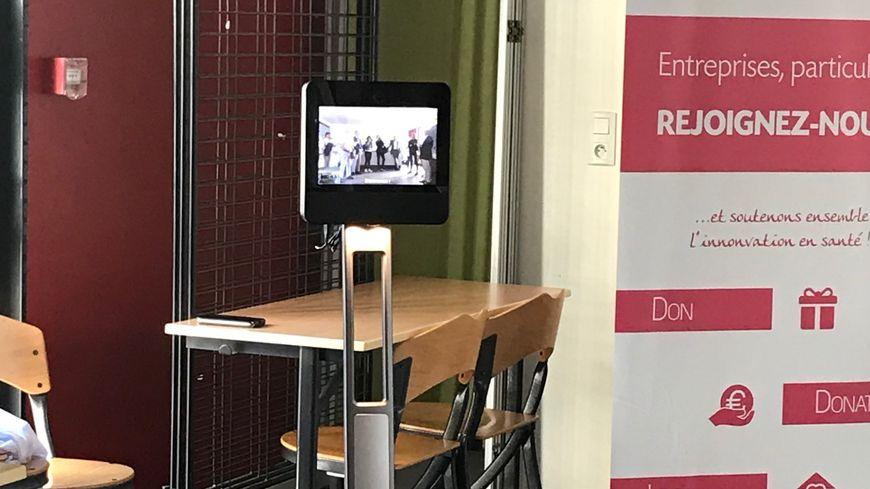 Le robot de téléprésence du service de médecine pédiatrice de l'hôpital Clocheville est en service depuis début septembre