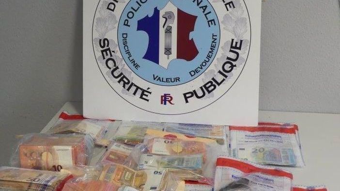 Après six mois d'enquête, les policiers stéphanois et lyonnais ont saisi près de quarante kilos de drogue et 130.000 euros en liquide Auteur : Source : GIR (Groupement Interministériel de recherche) de Lyon