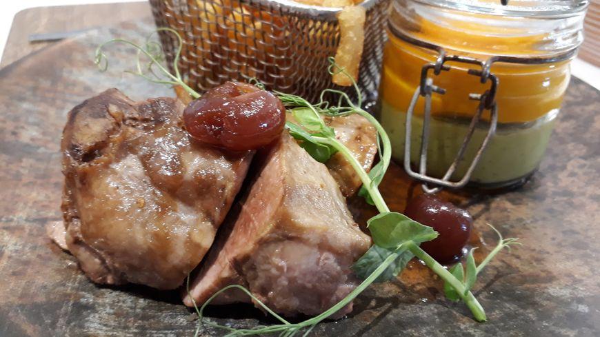 Filet mignon de porc aux cerises confites