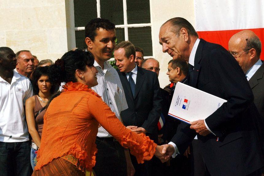 Jacques Chirac à Tours le 29 juin 2006 pour une remise de décret de naturalisation