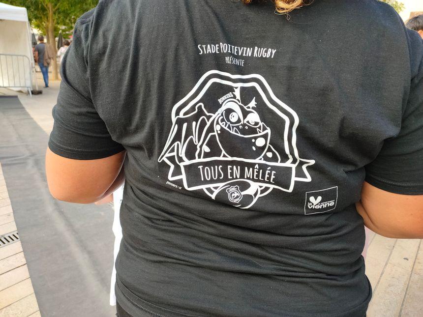 La vente de tee-shirts a notamment permis de récolter des fonds pour l'association
