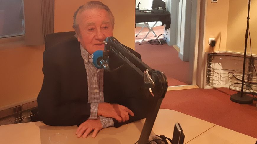 Jean-Pierre Soisson était ministre de la santé quand il a inauguré la radio en 1989.