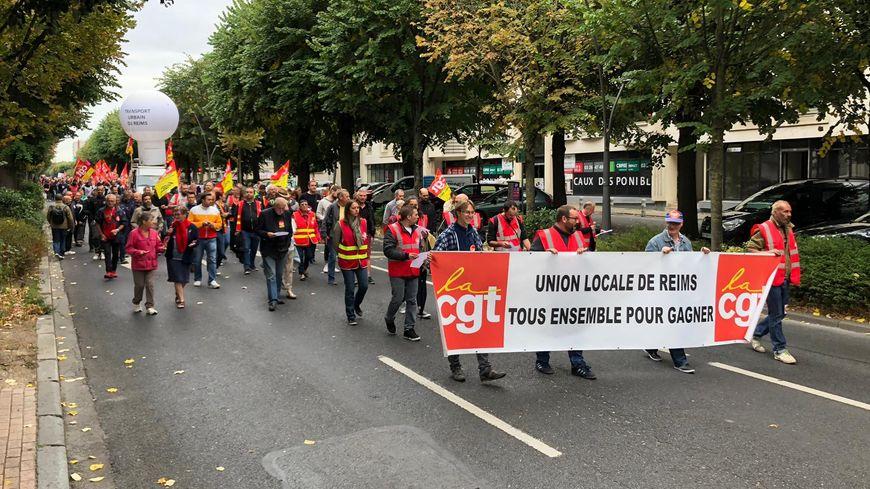 Manifestation dans les rues de Reims