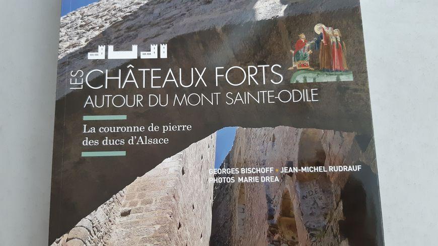 """Le livre """"Les châteaux forts autour du Mont Sainte-Odile"""""""