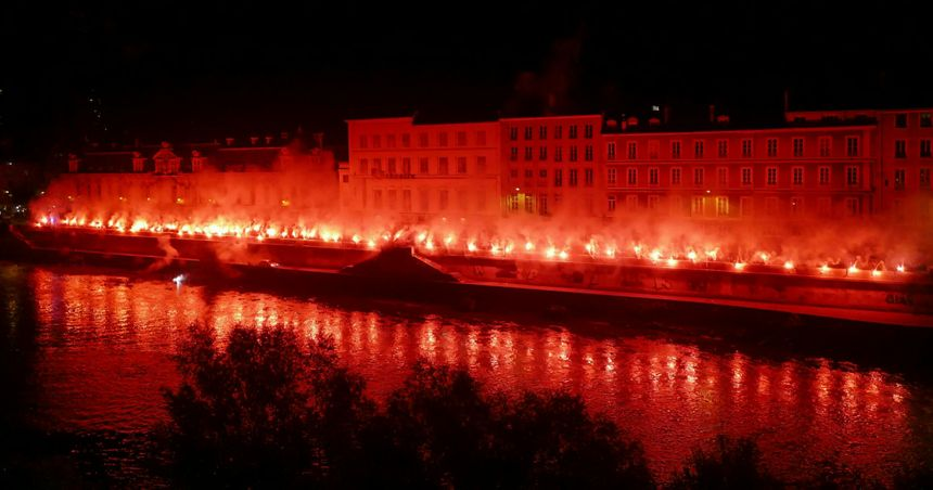 Les Red Kaos avaient déjà illuminé les quais de Grenoble jeudi soir