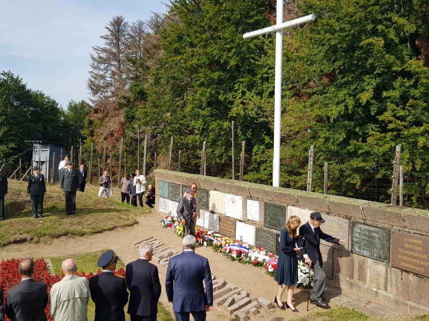 Environ 200 personnes étaient présentes lors de cette commémoration.