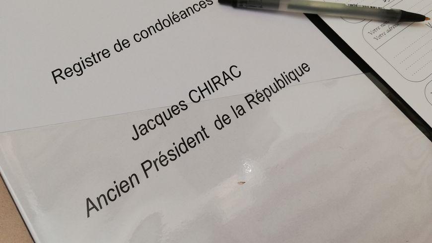 Des registres de condoléances ont été ouverts notamment à Valence et Guilherand-Granges