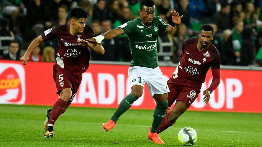 Habib Maïga, lorsqu'il portait le maillot de l'ASSE, contre le FC Metz, en 2017 (3-1)