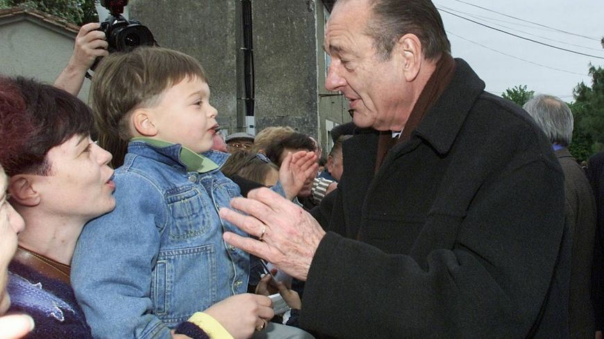 Jacques Chirac lors d'une visite en 2002 en Dordogne à Nontron