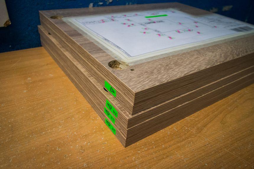 Détails de panneaux finis de meubles en kit